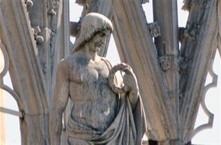 Santo con corona d'alloro