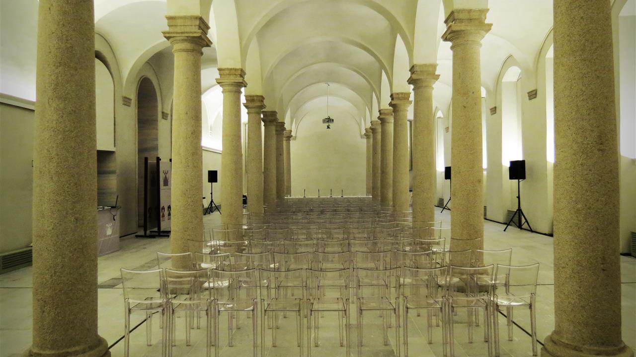 Sala delle colonne duomo di milano for Colonne esterne di stile dell artigiano
