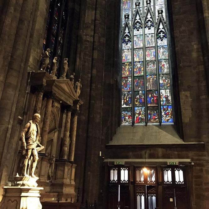 Le caratteristiche delle vetrate gotiche del Duomo, così come quelle delle  più importanti cattedrali d\u0027Europa