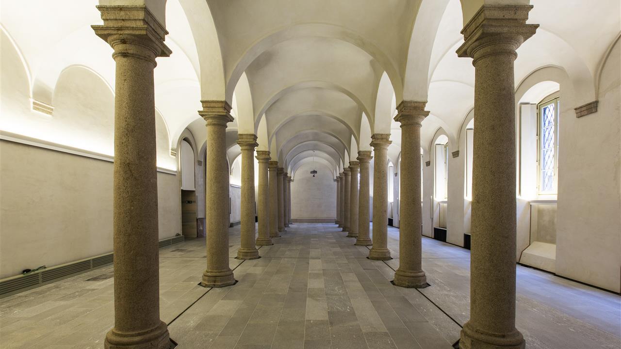 Sala delle colonne museo del duomo for Colonne esterne di stile dell artigiano