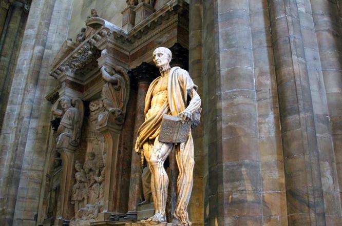 Interno Duomo Bartolomeo
